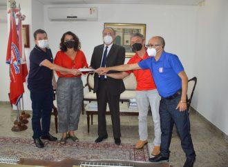 Em parceria histórica, SINTAJ e SINPOJUD entregam proposta de PCCS ao presidente do TJ-BA