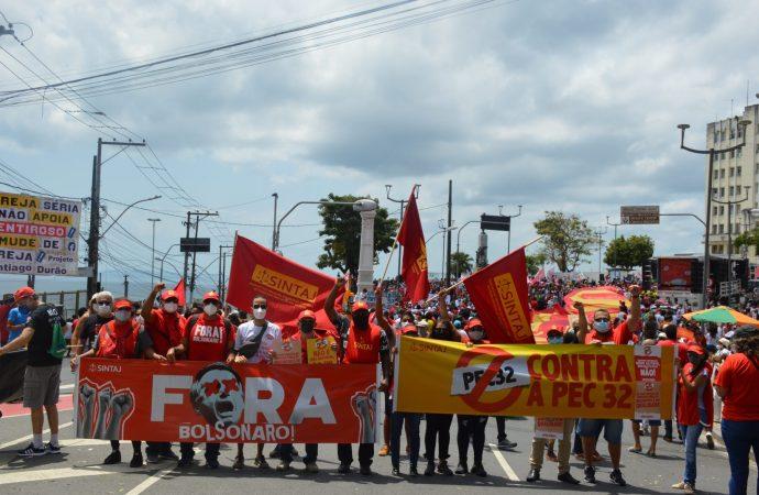 Protestos contra Bolsonaro: SINTAJ participa de manifestação pela queda do presidente